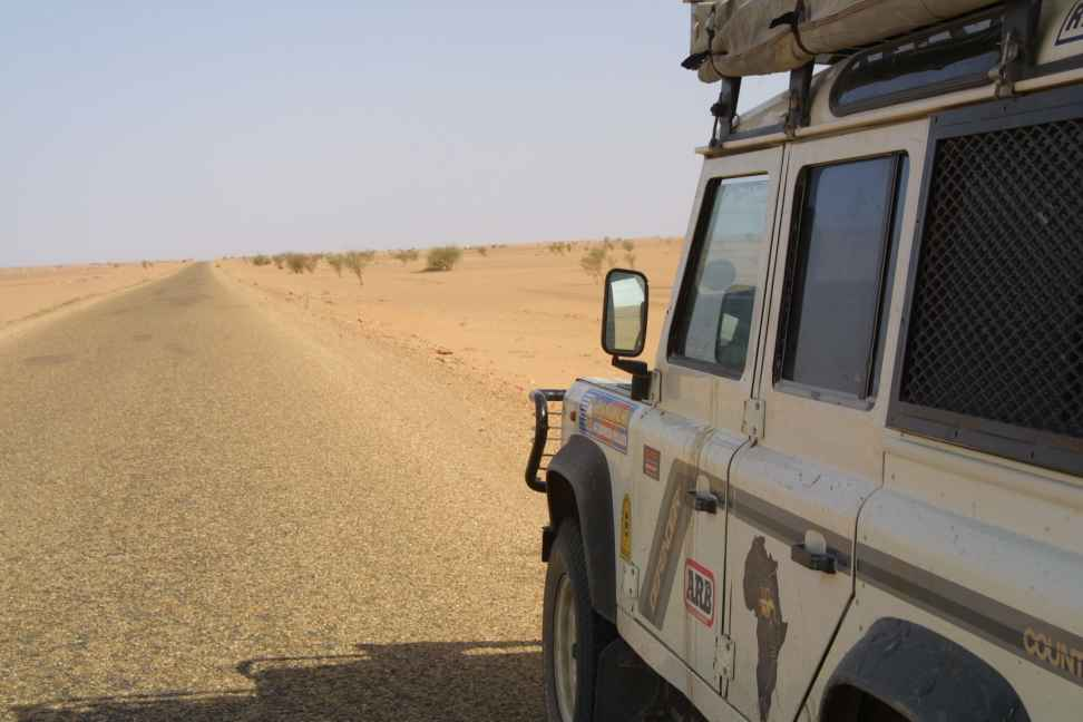 The road to Arlit